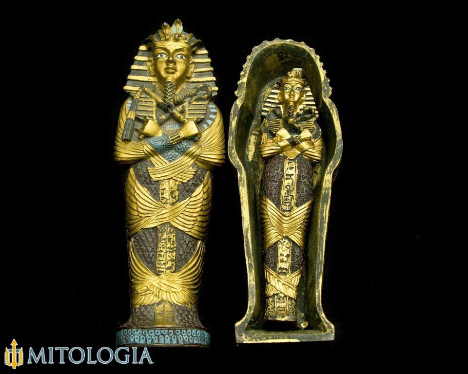 Amón ––∈ Creador de Egipto y rey de todos los dioses