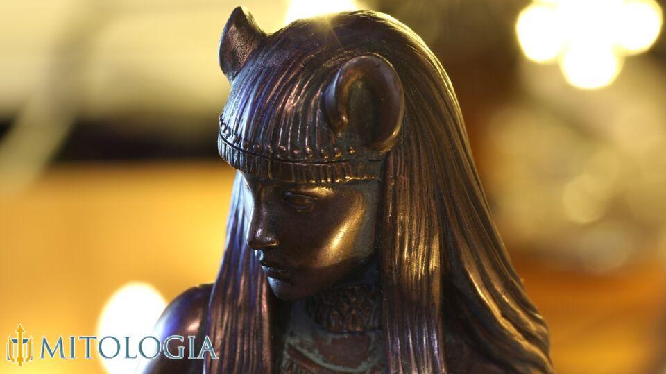 Bastet ––∈ La diosa felina