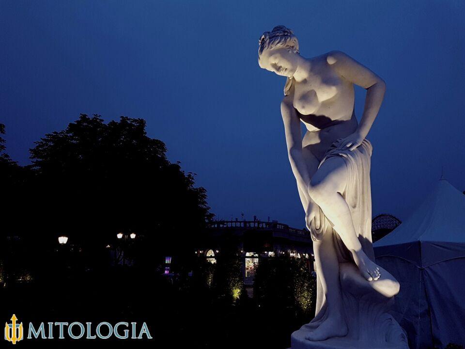 Venus ––∈ La diosa romana del amor